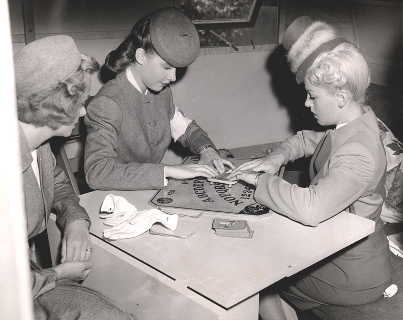 1944 Army Women Ouija