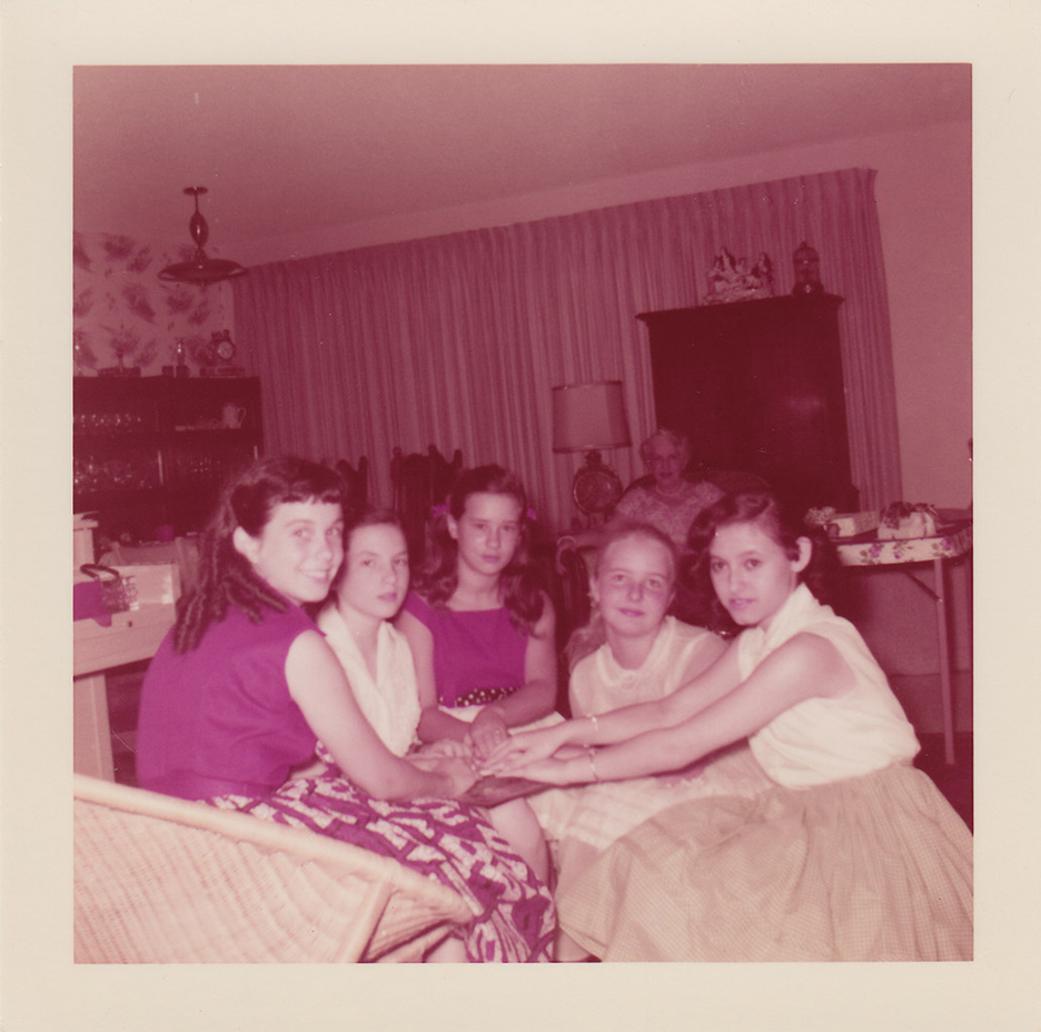 1958 Girl party and ouija